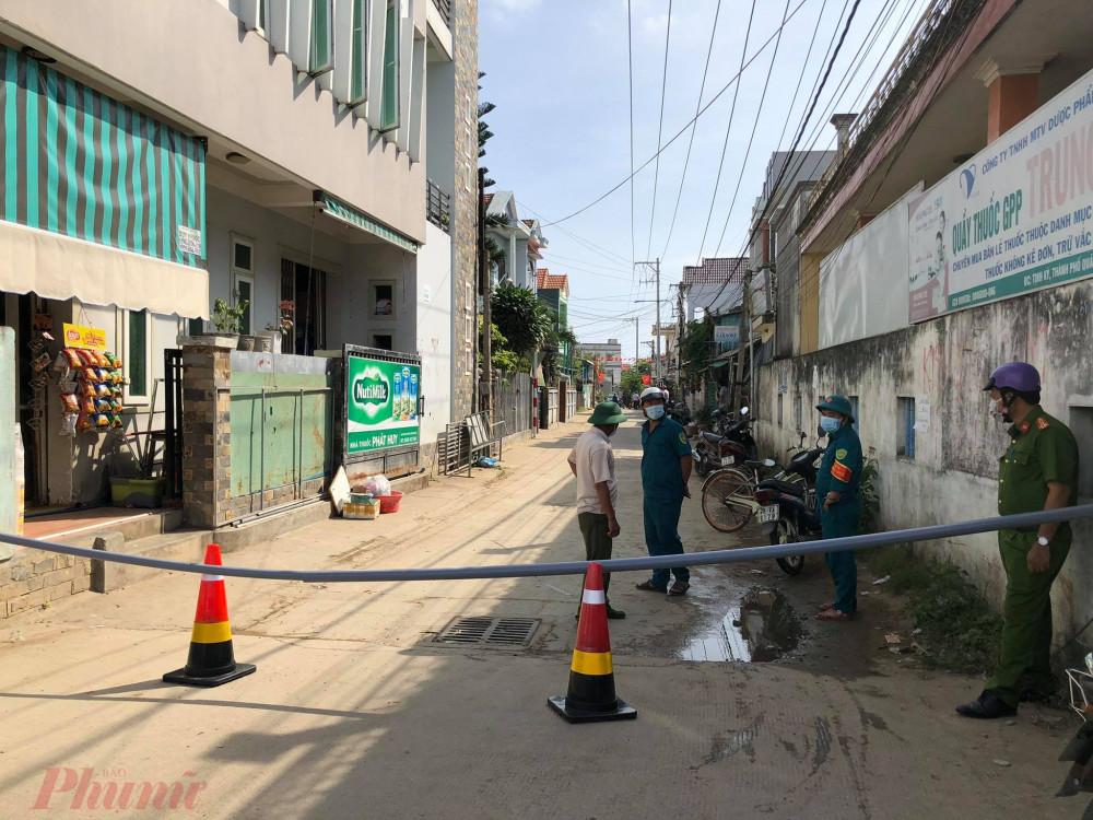 Chính quyền Quảng Ngãi phong tỏa khu dân cư nơi bệnh nhân nhiễm COVID-19 sinh sống