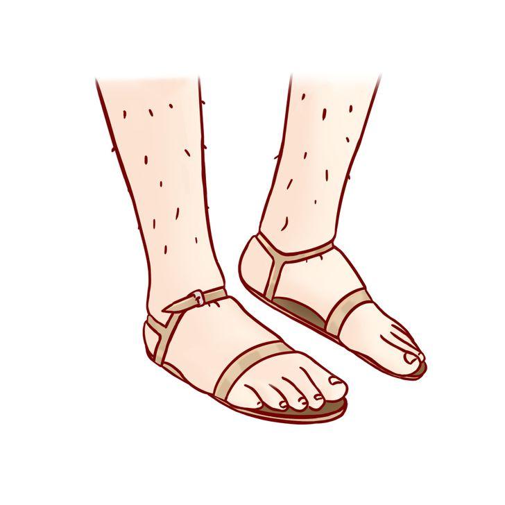 10. Đế giày quá nhỏ:  Đi giày có đế quá nhỏ so với bàn chân của bạn sẽ tạo ra ấn tượng khó coi. Ngoài ra, đôi giày đó còn góp phần làm biến dạng khớp chân, dẫn đến sự xuất hiện của bunion trên các ngón chân cái, làm móng chân mọc, gây kích ứng da, tạo ra những vết sần.