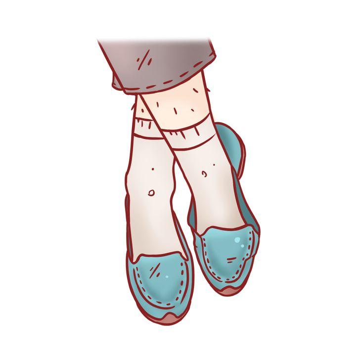 Đôi giày quá lỏng lẻo: Thứ duy nhất giúp đôi giày lỏng lẻo không bị rơi khỏi chân là các ngón chân. Đi những đôi giày như vậy sẽ khiến bạn gặp các vấn đề sau: biến dạng ngón chân và khớp, chai chân, đau đầu gối và đau lưng.