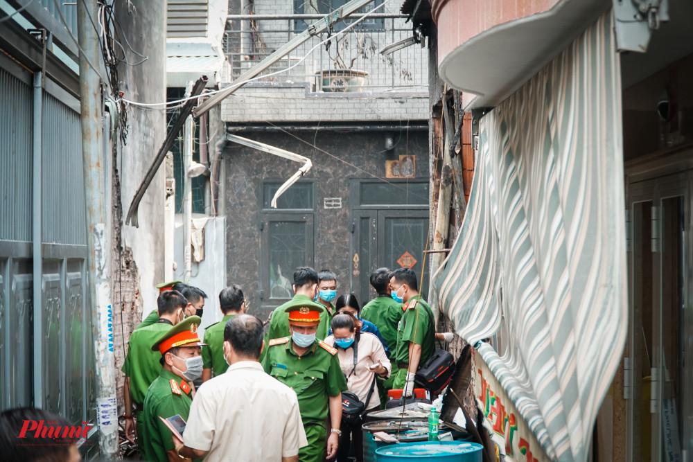 Cùng ngày, đoàn đã vào quan sát hiện trường, nơi xảy ra vụ việc