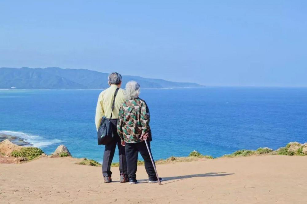 Ly hôn đối với người già không phải là quyết định vội vàng. Ảnh minh họa