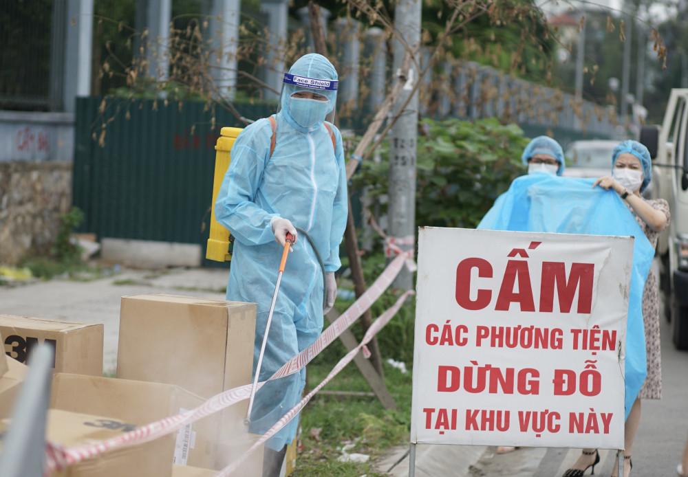 Hà Nội ghi nhận thêm 6 ca nhiễm trong cộng đồng, có liên quan tới ổ dịch tại Thường Tín, Bắc Ninh và Bệnh viện Bệnh Nhiệt đới Trung ương