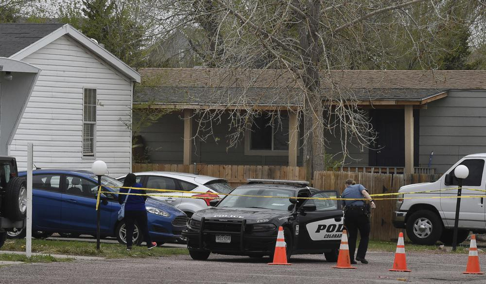 Hiện trường vụ xả súng đang được cảnh sát phong tỏa để điều tra.
