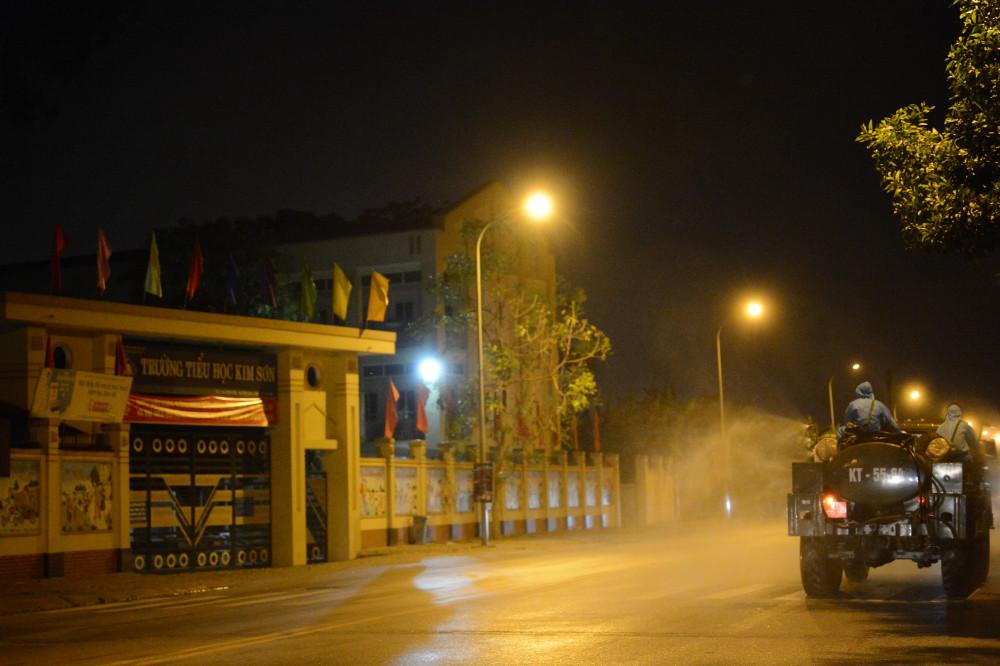 Chủ tịch cũng lưu ý các địa phương nguy cơ dịch bệnh xâm nhập vào TP từ các nguồn ổ dịch ở Bắc Ninh, Bắc Giang, Hưng Yên.