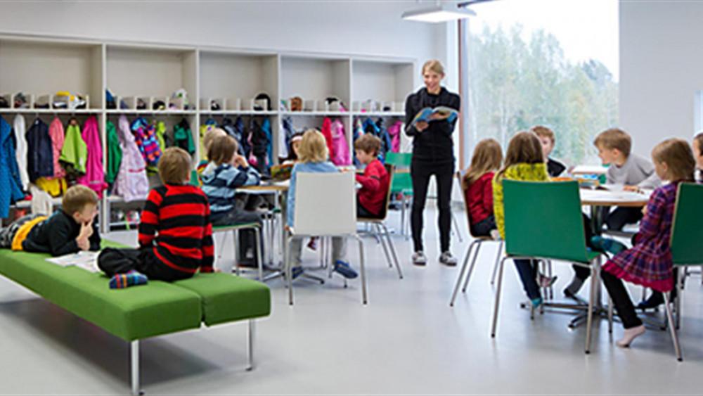 Một tiết học về kinh doanh ngành hàng thời trang cho học sinh tiểu học Phần Lan - Ảnh: gildavenezia