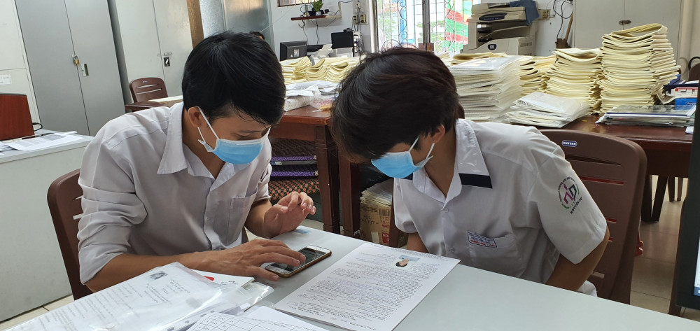 Học sinh Trường THPT Nguyễn Du (quận 10) học trong mùa dịch