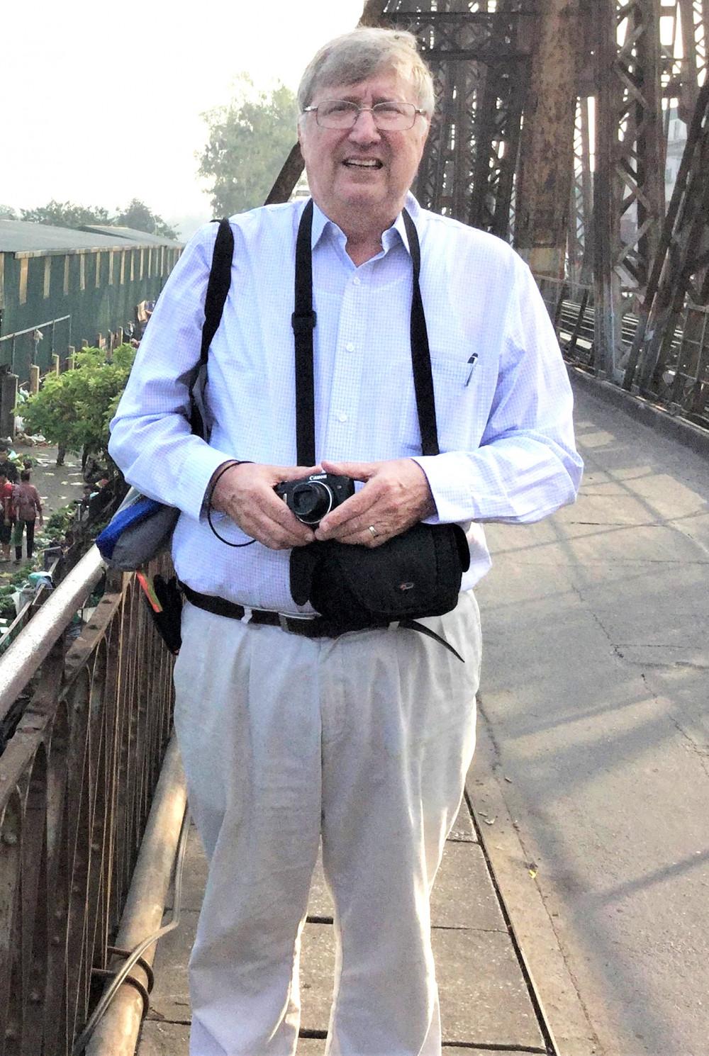 Giáo sư Kenneth R Olson - người đã bỏ nhiều công sức  để nghiên cứu, chứng minh  tác hại của dioxin ở Việt Nam