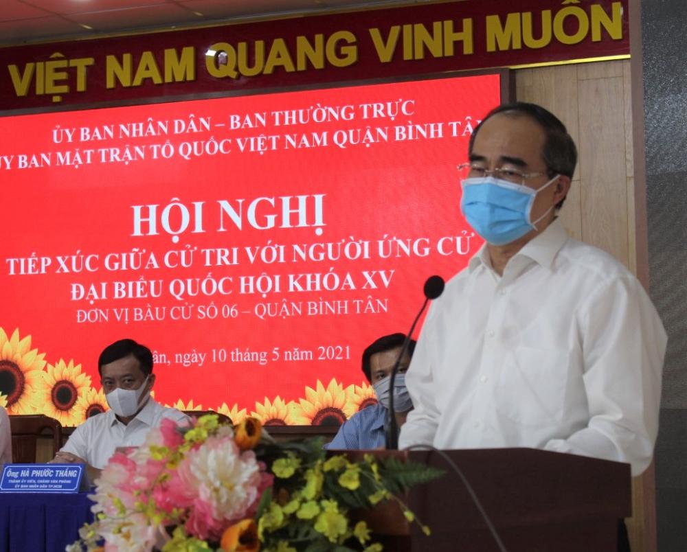 Trưởng đoàn ĐBQH TPHCM trình bày chương trình hành động của mình.