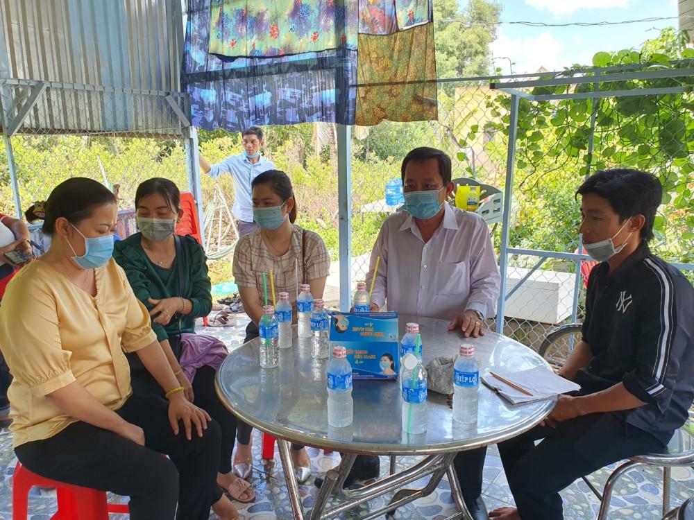 Ngành chức năng Bạc Liêu kịp thời động viên, hỗ trợ gia đình 2 trẻ tử vong nghi do ngộ độc thực phẩm.