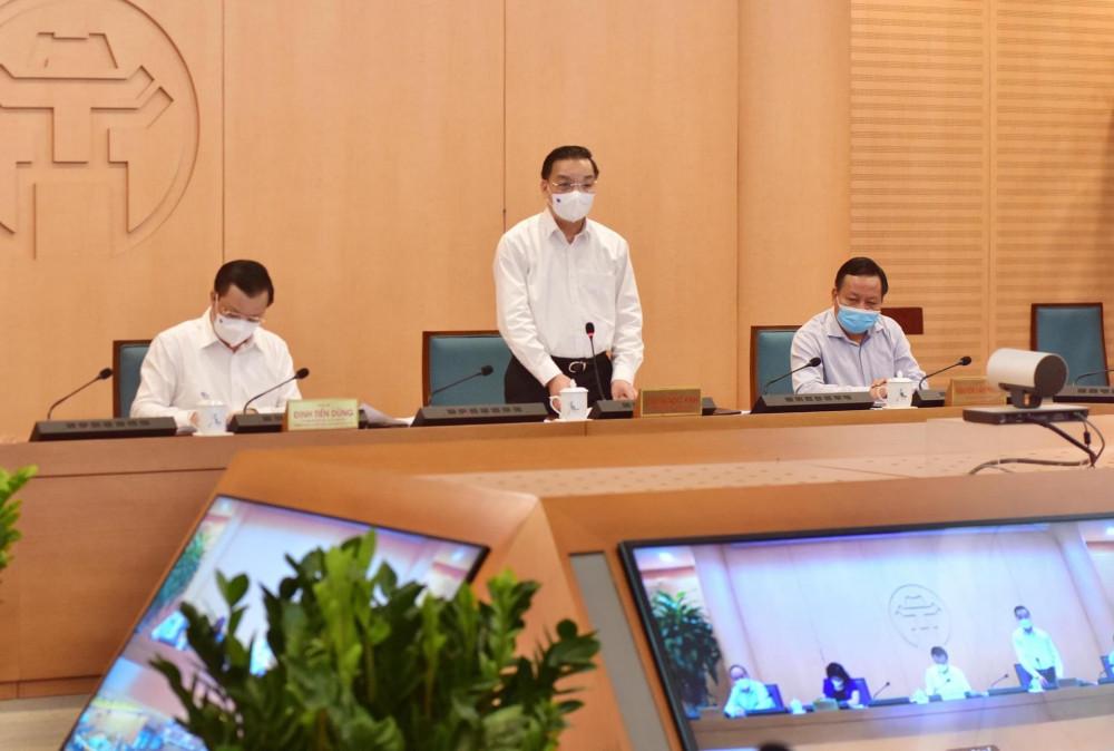 Chủ tịch UBND TP Hà Nội Chu Ngọc Anh cho biết sẽ xem xét tạm dừng các quán bia hơi.