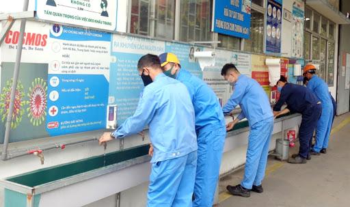 tại các CSSXKD, khu công nghiệp, đặc biệt đã có nhiều trường hợp mắc COVID-19 phát hiện tại khu công nghiệp như tại Hải Dương, Bắc Giang.