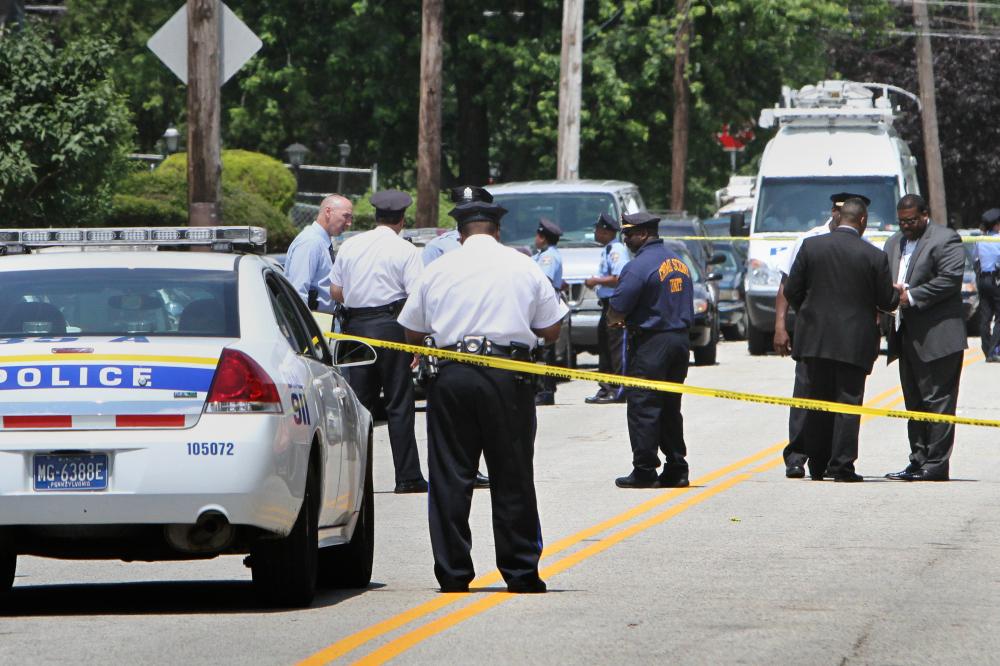 Cảnh sát trưởng Frank Vanore cho biết thành phố đã chứng kiến 14 vụ bắn súng, trong đó có một vụ ở Bắc Philadelphia khiến 5 người bị thương - Ảnh: Getty Images