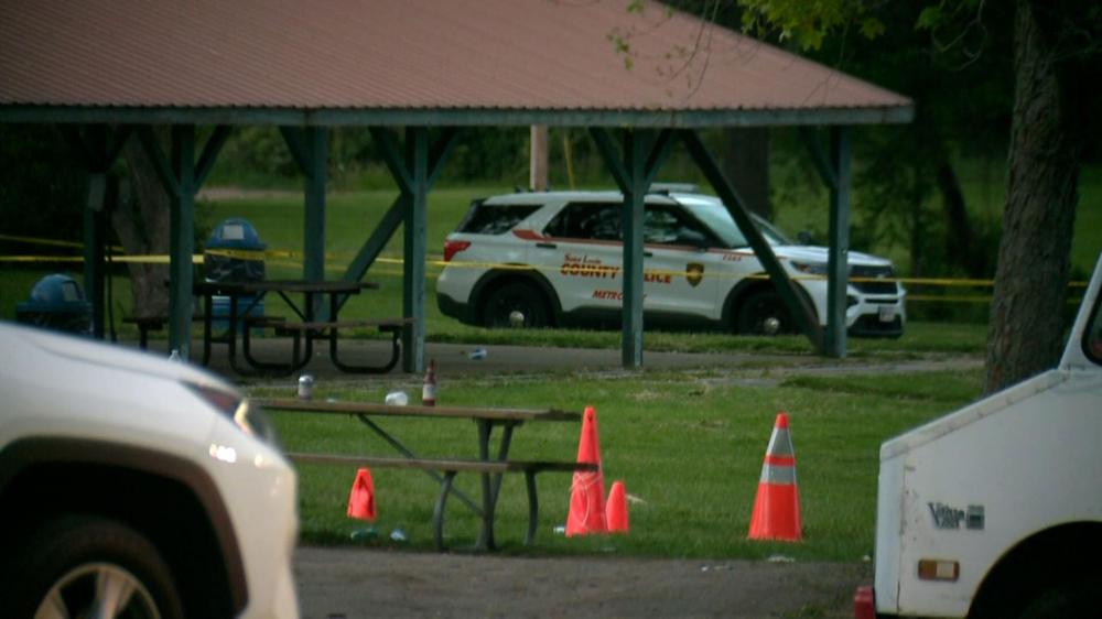 Hiện trường vụ xả súng hôm 7/5 tại St. Louis, Missouri - Ảnh: CNN