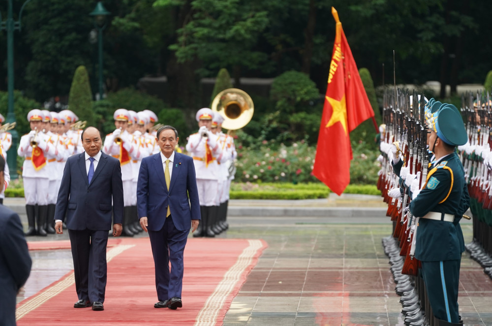 Thủ tướng Nhật Bản trong chuyến công du đến Việt Nam vào 20/10/2020 - Ảnh: Quang Hiếu