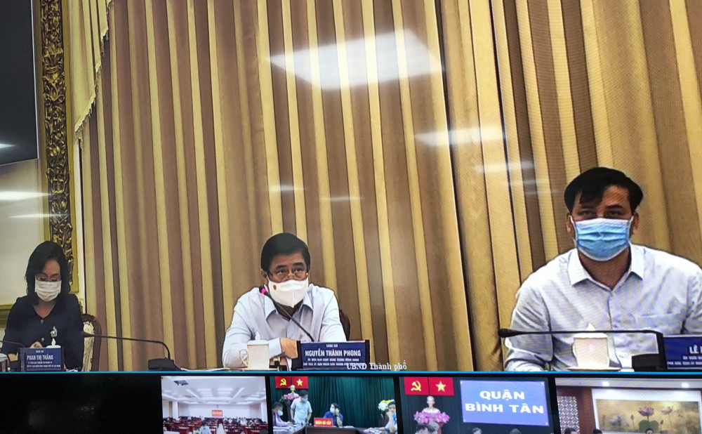Chủ tịch UBND TP.HCM Nguyễn Thành Phong chủ trì phiên họp tình hình kinh tế - văn hóa - xã hội, quốc phòng - an ninh va thu chi ngân sách 4 tháng đầu năm 2021 chiều 11/5. Ảnh: Quốc Ngọc