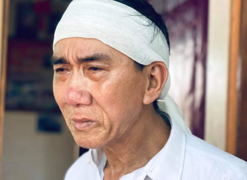 Bố của Nhã đau buồn trước cái chết đột ngột của con trai