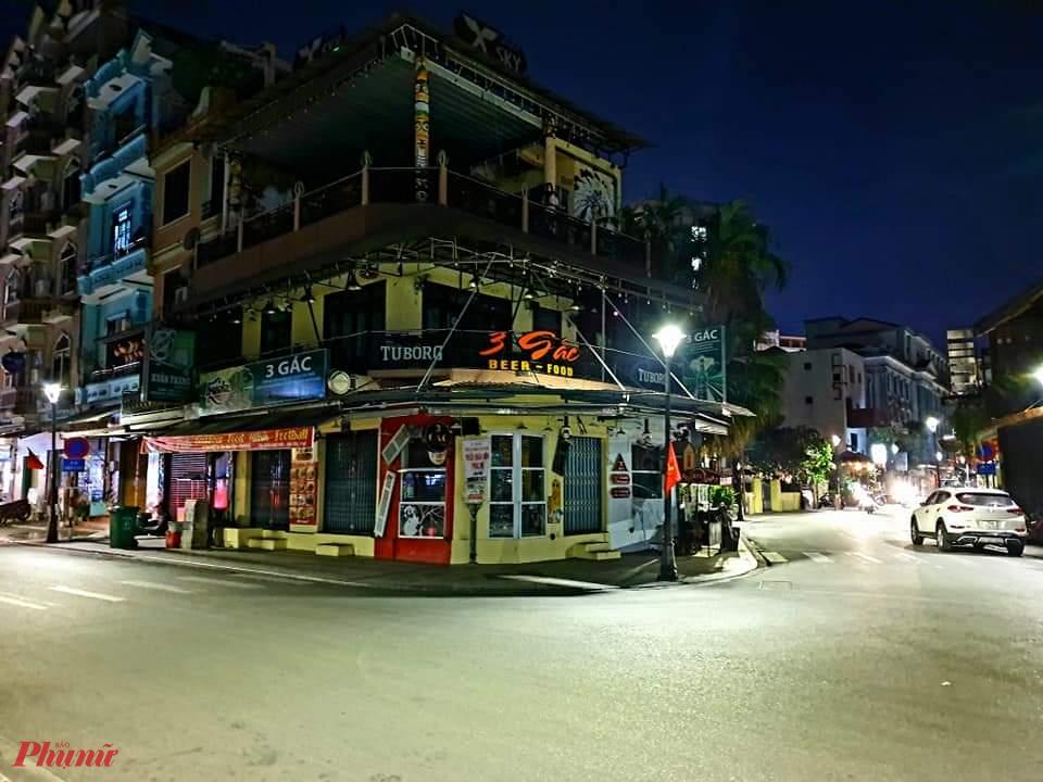 Từ tối 11/5 góc phố đêm sầm suất nhất xứ Huế ở ngã tư đường Chu Văn An- Võ Thị Sáu không có bóng người