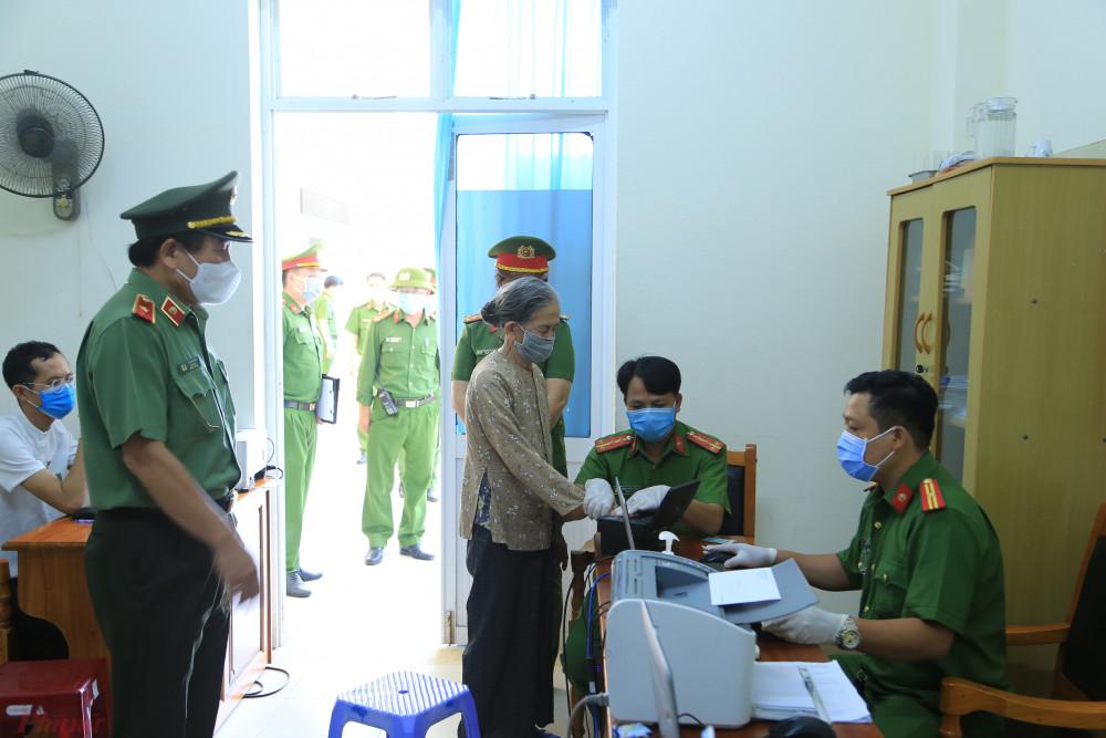 Công an Đà Nẵng tạm dừng việc cấp căn cước công dân để tập trung chống dịch