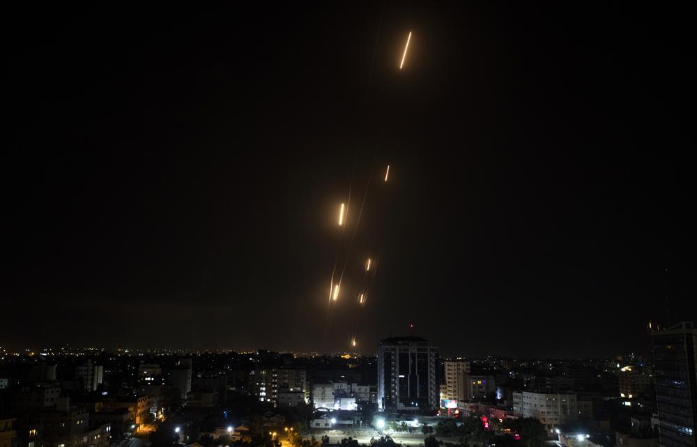 Tên lửa được phóng từ Dải Gaza về phía Israel hôm 11/5