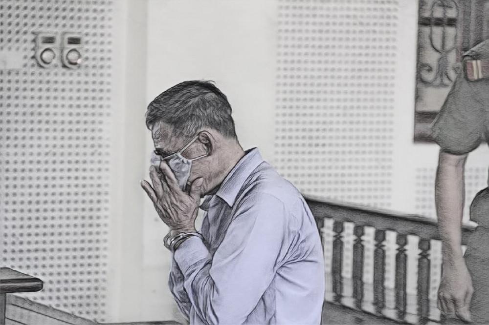 Nhung ôm mặt khóc sau bản án 15 năm tù