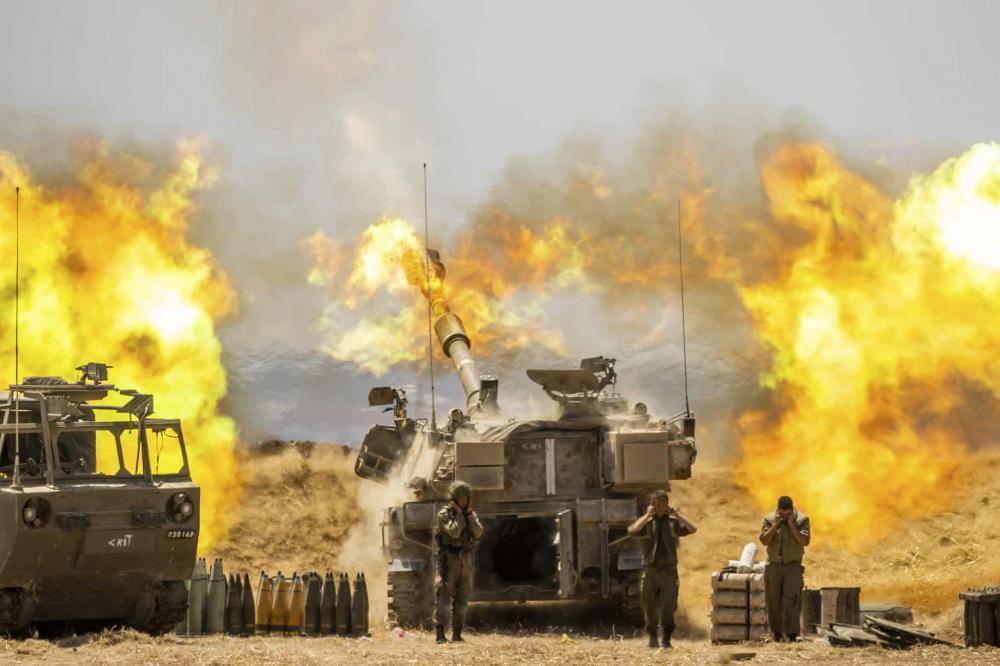 Đơn vị pháo binh của Israel bắn vào các mục tiêu ở Gaza