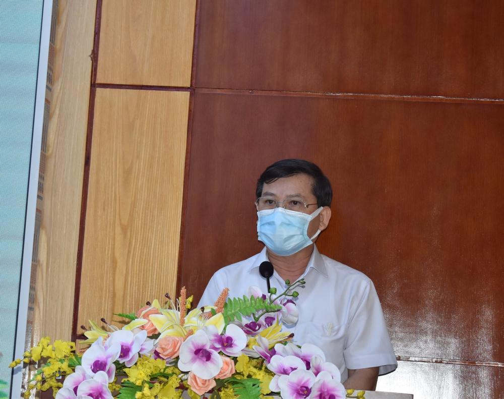 Tiếp thu ý kiến cử tri, ông Lê Minh Trí cam kết các ứng cử viên khi trúng cử sẽ làm hết trách nhiệm người đại biểu nhân dân.