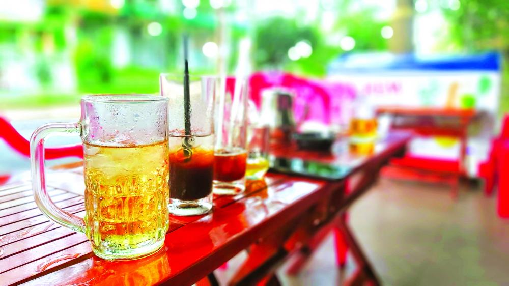 Muốn cho ra ly trà đá Sài Gòn đúng điệu thì phải tuân theo vài điều… luật bất thành văn