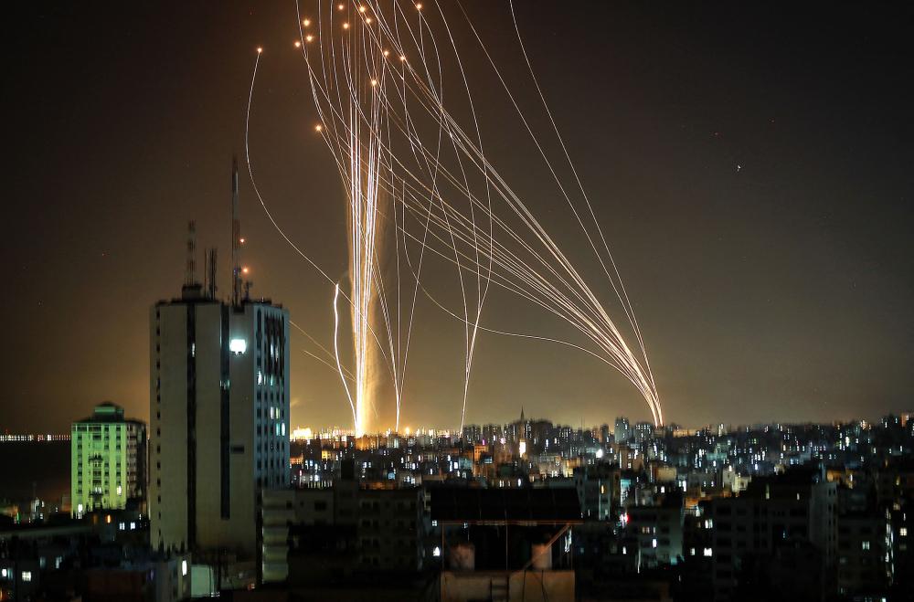 Tên lửa được phóng từ Gaza về phía thành phố ven biển Tel Aviv, Israel