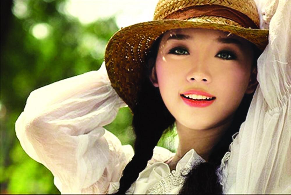 Nếu Tóc Tiên cứ ngoan ngoãn theo  định hướng của cha mẹ, khán giả Việt  sẽ không có một ca sĩ cá tính, xinh đẹp,  cuốn hút trong top đầu của showbiz như cô