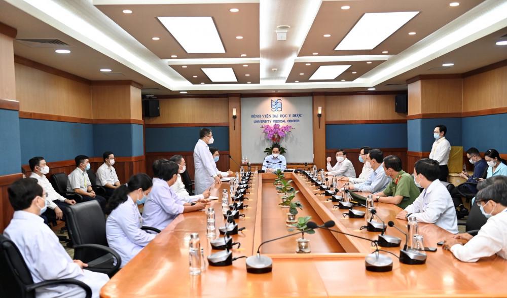 Thủ tướng Chính phủ làm việc tại Bệnh viện Y dược