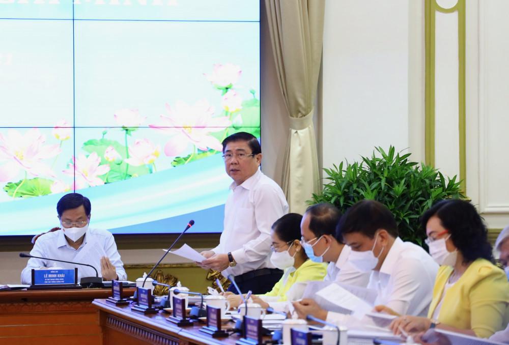 Chủ tịch Nguyễn Thành Phong báo cáo tại phiên làm việc
