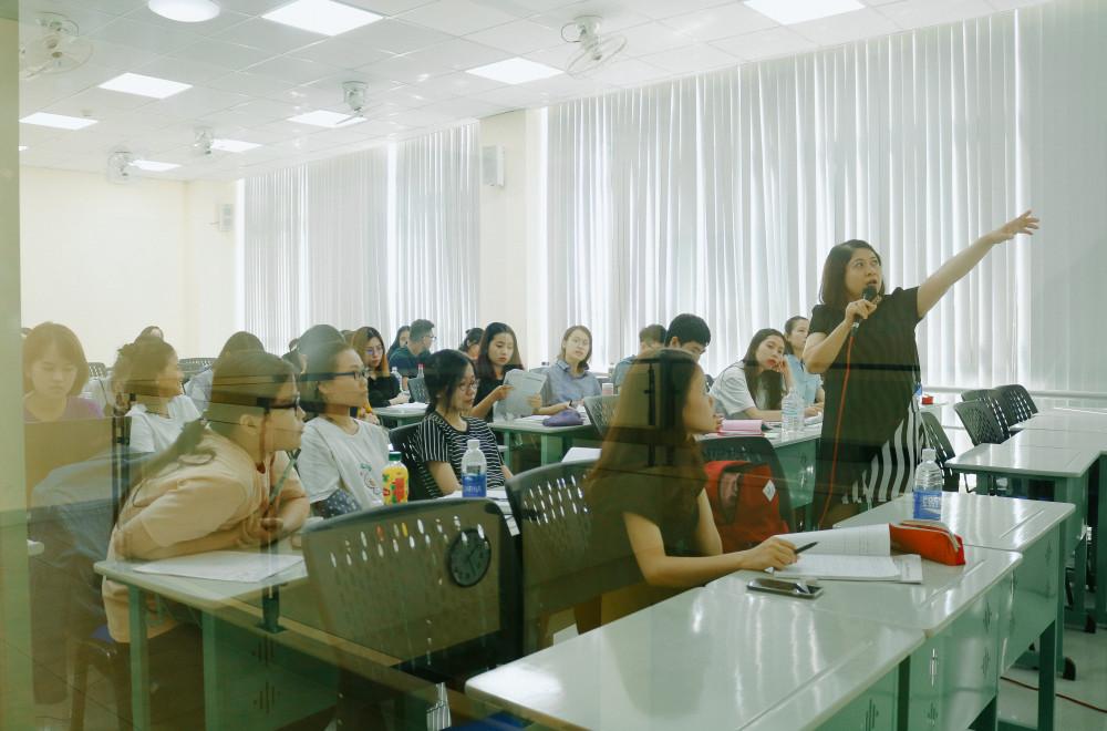 Sinh viên đang học tập tại trường     Ảnh: Ngọc Phượng