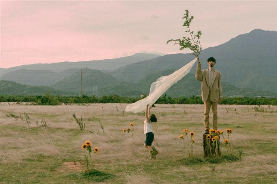 Hình ảnh của Đen Vâu trong MV mới