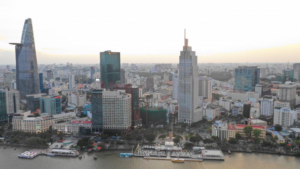 Toàn cảnh công viên bến Bạch Đằng nhìn từ trên cao - Ảnh: Văn Minh