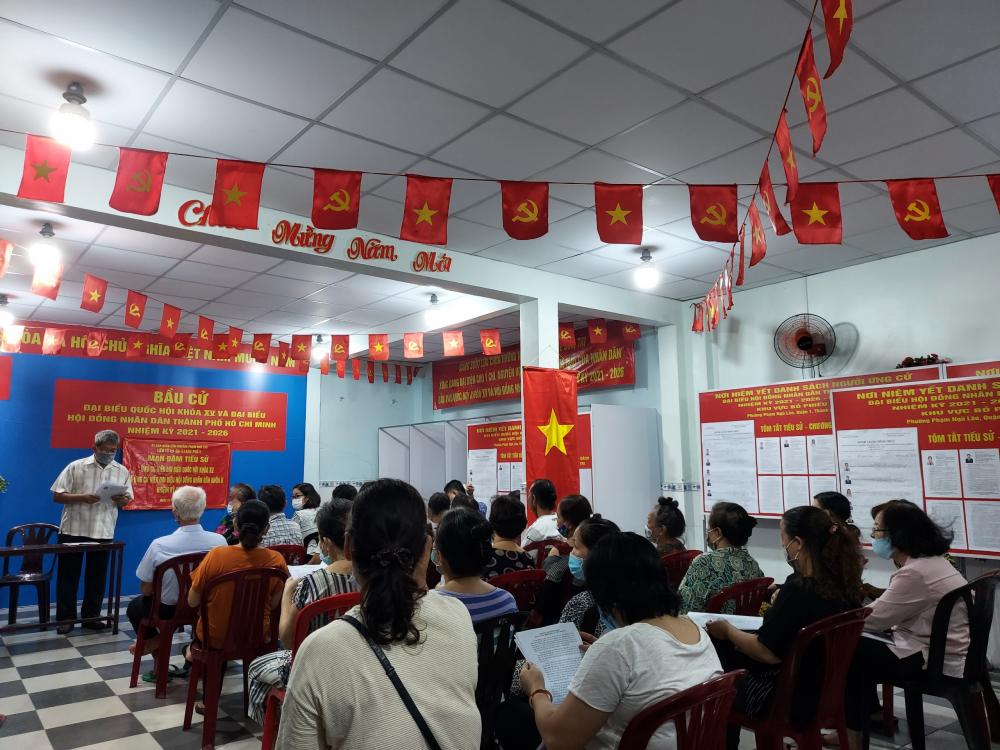 Hội nghị mạn đàm tiểu sử ứng cử viện tại phường Phạm Ngũ Lão, quận 1.
