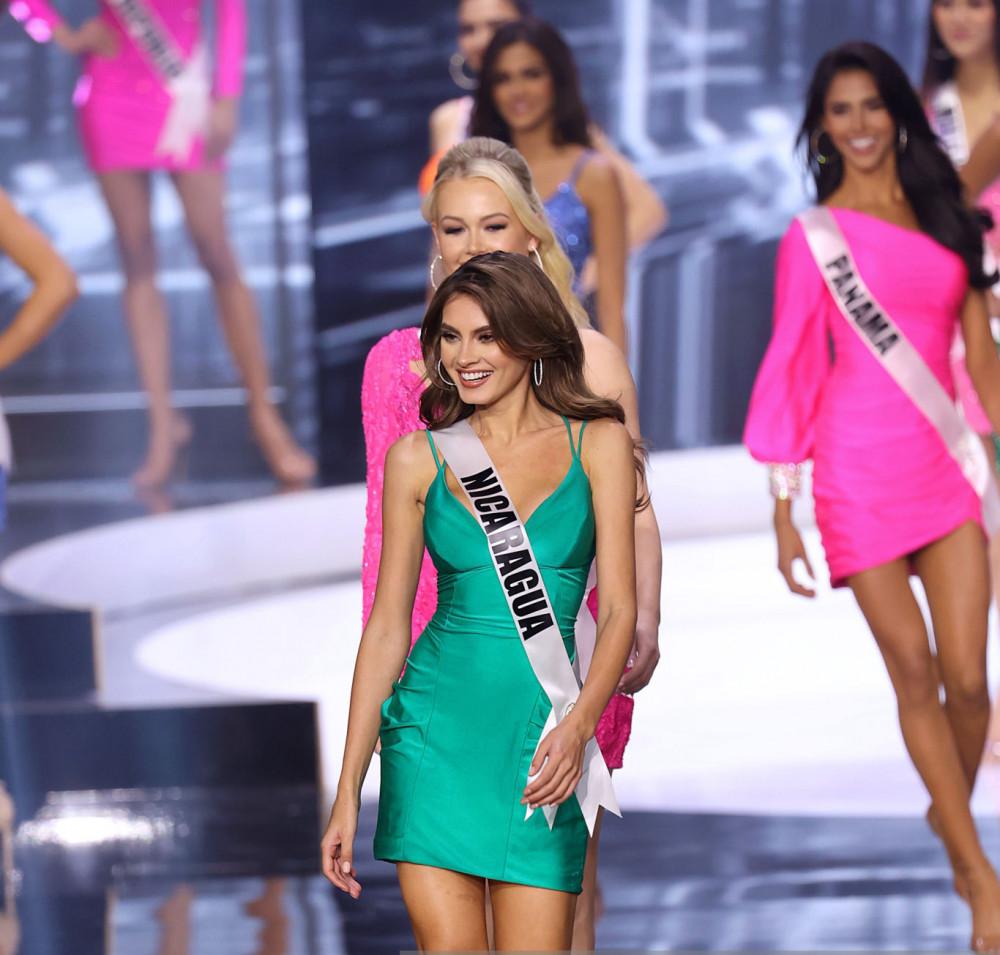 Đại diện Nicaragua là một trong 21 thí sinh bước tiếp vào vòng thi áo tắm