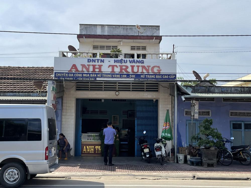 Tiệm vàng Anh Trung nơi xảy ra vụ trộm