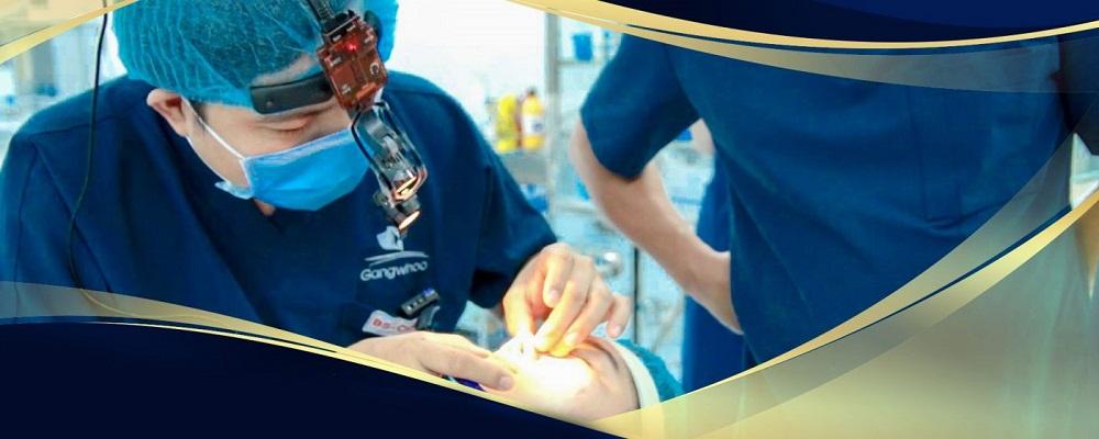 Mỗi tháng, Bệnh viện Thẩm mỹ Gangwhoo tiếp nhận hàng chục ca phẫu thuật mũi bị hỏng