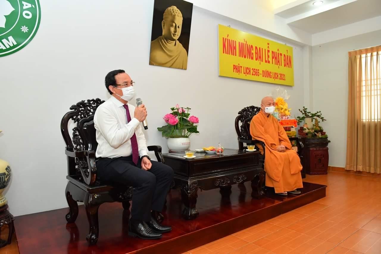 Lãnh đạo TPHCM thăm Văn phòng II Trung ương Giáo hội Phật giáo Việt Nam và hòa thượng Thích Thiện Nhơn