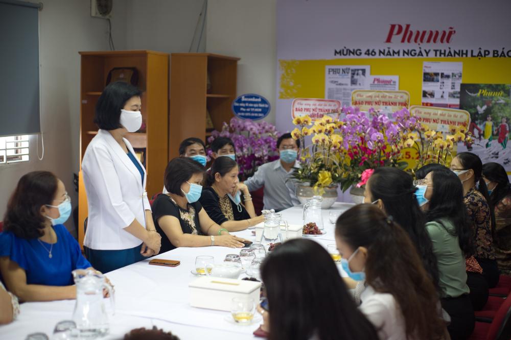 Bá Lý Việt Trung- Tổng Biên tập Báo cảm ơn những chân tình cùng sự trợ sứccủa Hội.