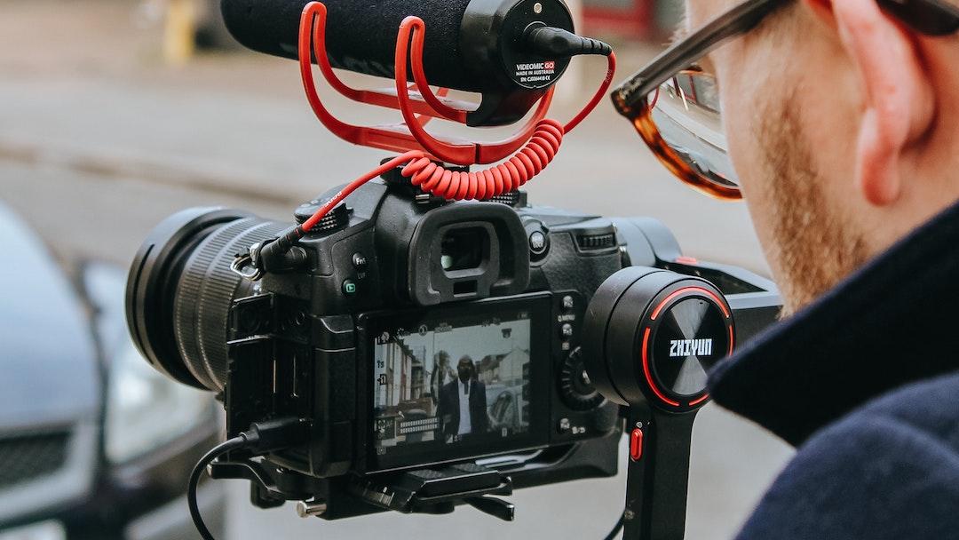 Các nhà làm phim đối mặt nhiều khó khăn trong bối cảnh bình thường mới sau dịch COVID-19