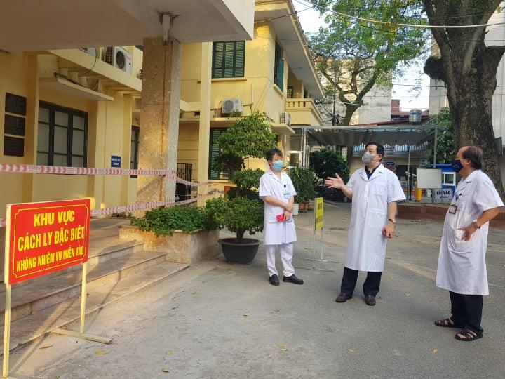 Vợ của kỹ thuật viên tại Bệnh viện Phổi Trung ương dương tính với virus SARS-CoV-2