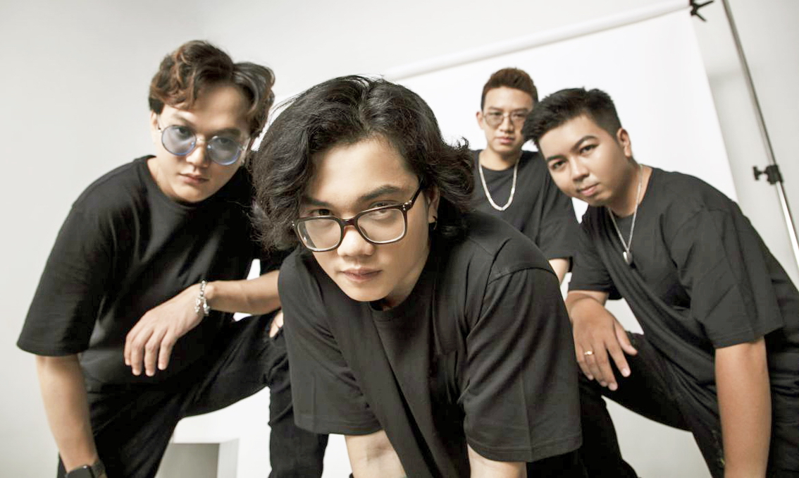 Nhóm Chillies trong sản phẩm âm nhạc mới nhất