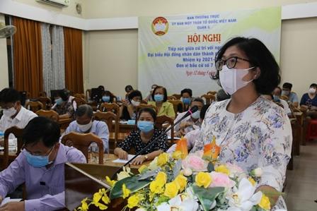 Bà Huỳnh Ngọc Nữ Phương Hồng - Phó Bí thư Thường trực Quận ủy quận 5