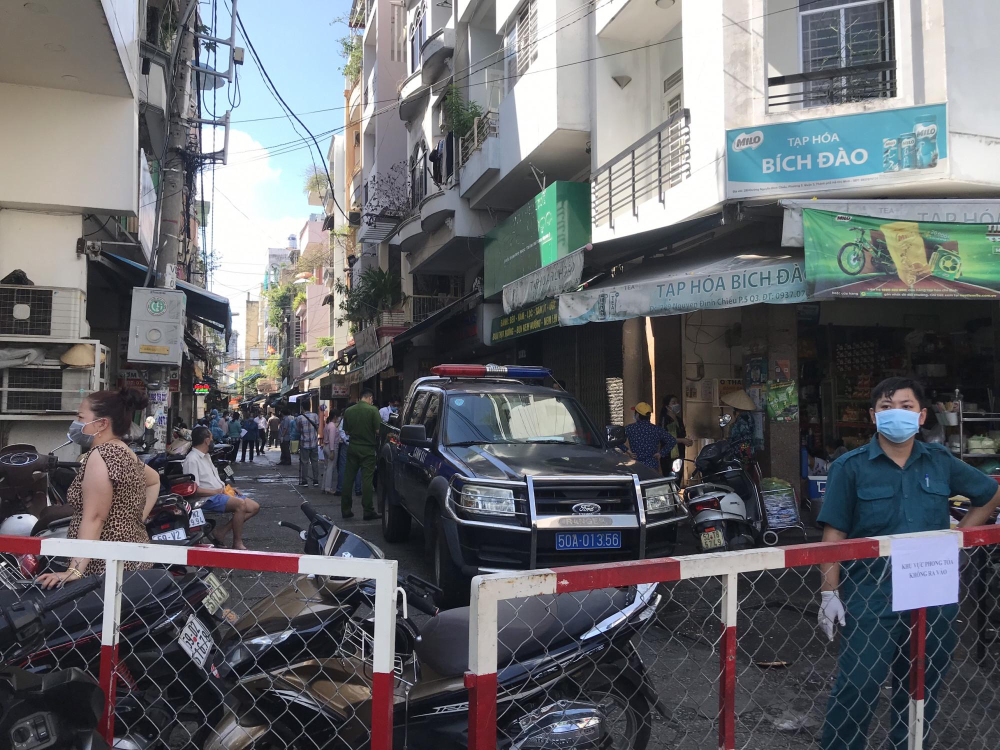 Hẻm 287 đường Nguyễn Đình Chiểu đang được phong tỏa