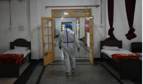Ngoài khủng hoảng COVID-19, các bác sĩ ở Ấn Độ còn đối diện xử lý và điều trị dịch bệnh nấm đen