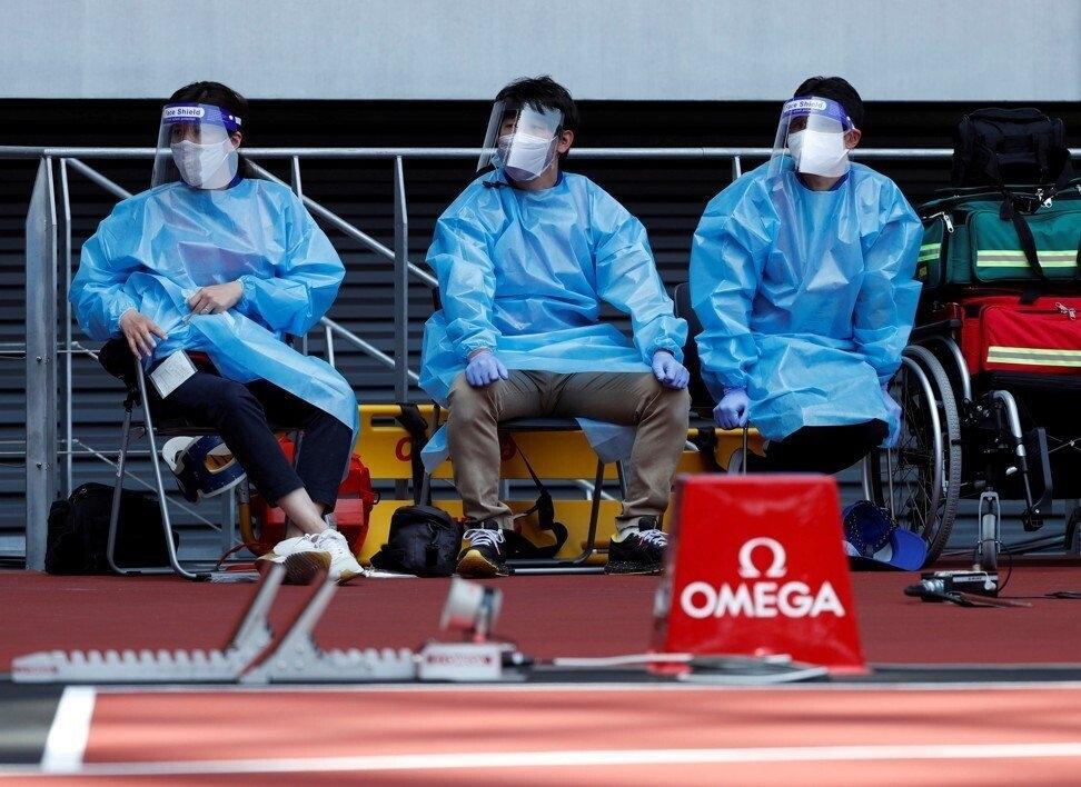 Người dân và chuyên gia y tế cho rằng, tổ chức Olympic đồng nghĩ với tự sát