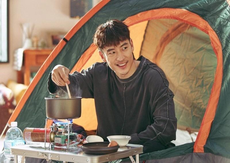 Khả năng diễn xuất biến hóa của Lee Je Hoon trong phim.