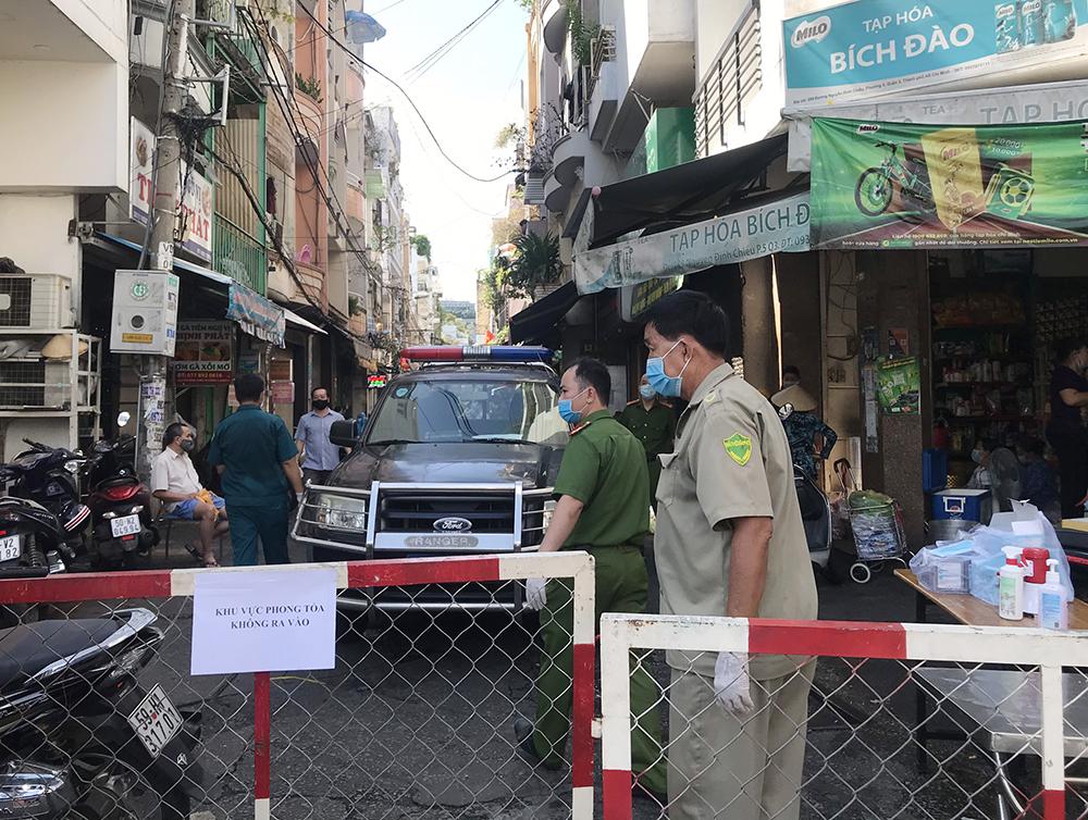 Khu vực hẻm 287 đường Nguyễn Đình Chiểu, quận 3 phong tỏa khi phát hiện bệnh nhân 2.780