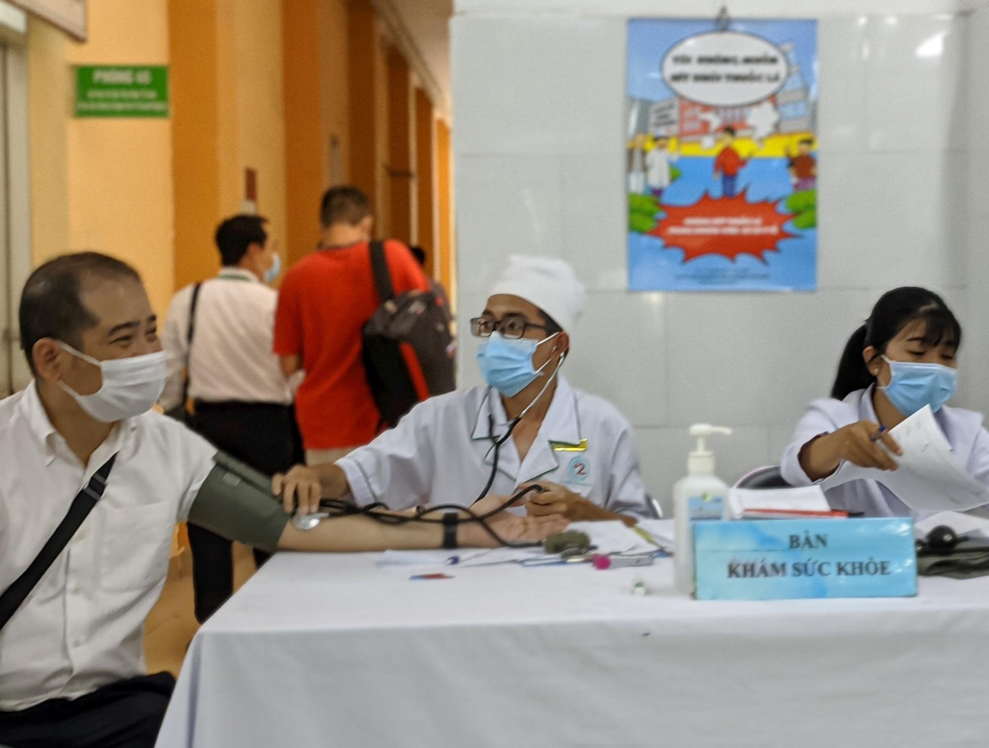 Bệnh nhân đến khám sức khỏe tại Bệnh viện Lê Văn Thịnh, TP Thủ Đức